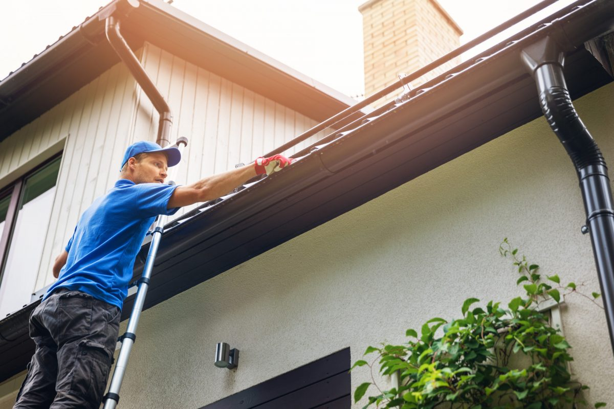 5 Big Benefits of Gutter Cleaning This Summer
